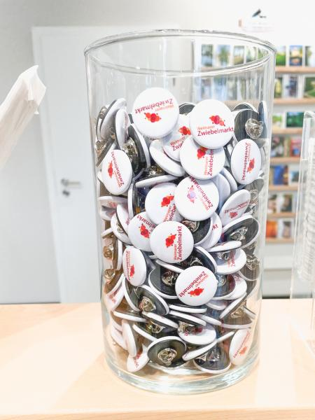 """Button und Pin """"Weimarer Zwiebelmarkt"""""""